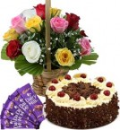 send 1Kg Black Forest Cake Mix Roses Basket n Chocolate  delivery