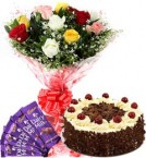 send 1Kg Black Forest Cake Mix Roses Bouquet n Chocolate delivery