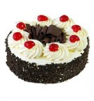 send Eggless Black Forest Cake Half Kg delivery