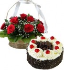 send Eggless Black Forest Cake Half Kg N Red Roses Basket delivery