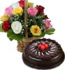 send 1Kg Eggless Chocolate Traffle Cake N Mix Roses Basket delivery