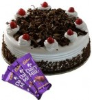send Eggless Black Forest Cake 1Kg N Chocolate Gifts delivery