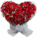 send Red Roses Heart Shape Flowers Arrangement delivery