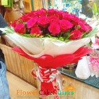 send 30 red roses paper packing bouquet delivery