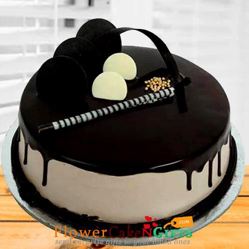 half kg chocolate pastry cake