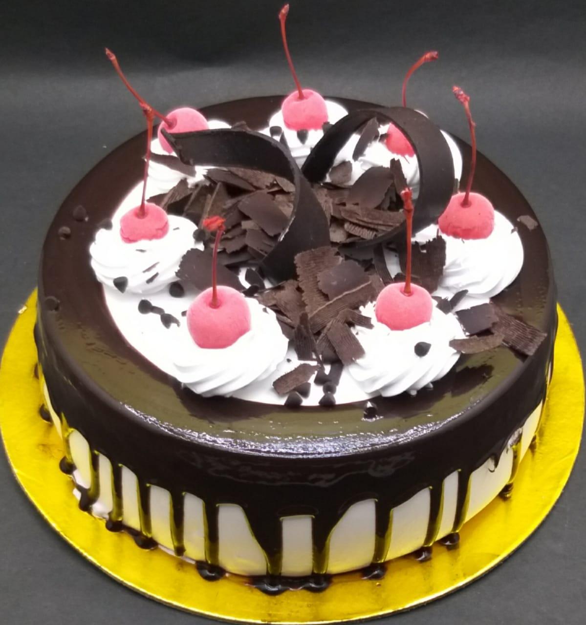 eggless half kg black forest cake